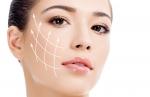Remise en tension du visage : la combinaison des soins pour un rajeunissement naturel, durable et sans chirurgie